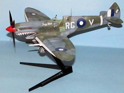 Tamiya 1/32 Spitfire VII/VIII, by Dan Lee