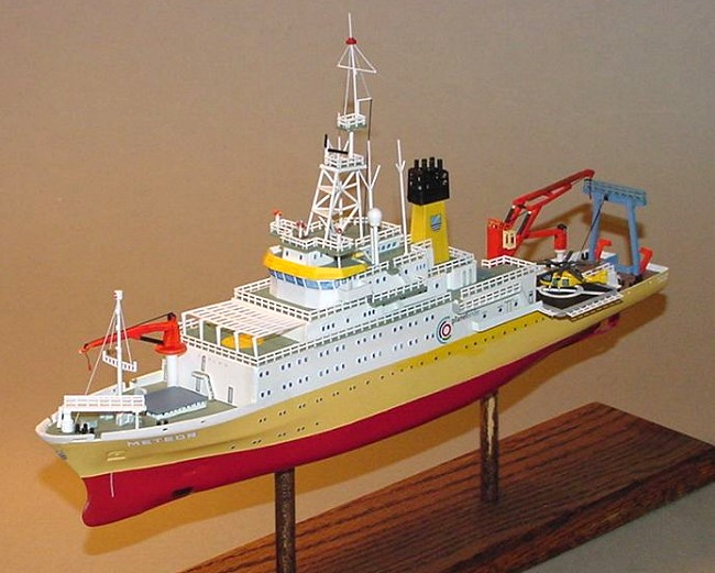 Revell Ag 1 300 Research Vessel Meteor By Greg Ewald