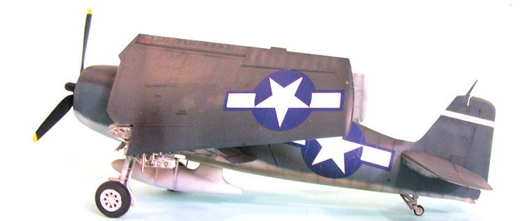 Hobby Boss F6F-3 Hellcat Early Version Airplane Model Building Kit