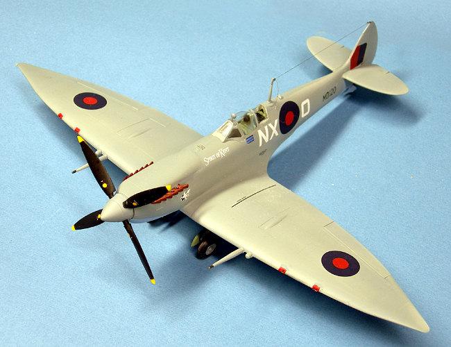 ICM 1//48 Spitfire Mk.VII # 48062