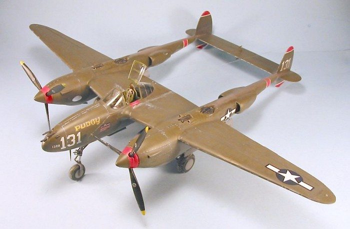 Trumpeter 1/32 P-38H Lightning