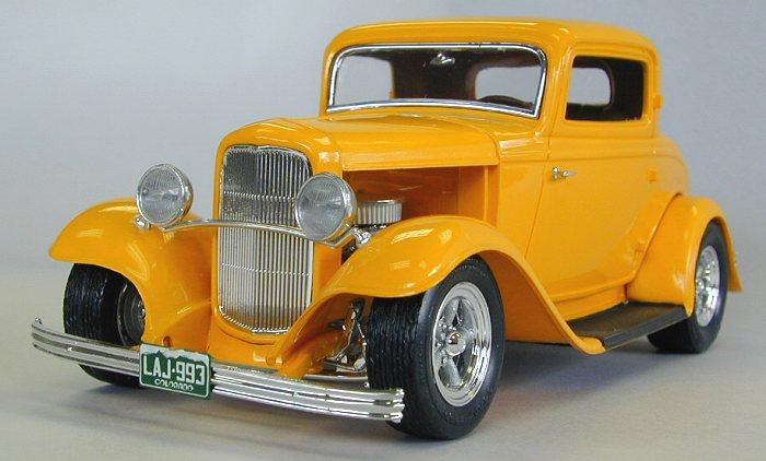 Revell 1/25 '32 Ford