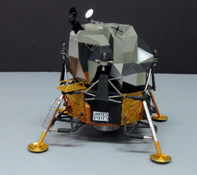 "Dragon 1/48 scale Apollo 11 Lunar Lander ""Eagle"", by Bill ..."