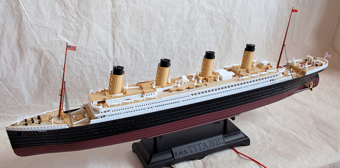 Academy 1/700 Titanic (LED edition), by Jeffery Simpson