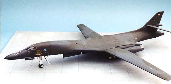 Revell 1 48 B 1b Lancer