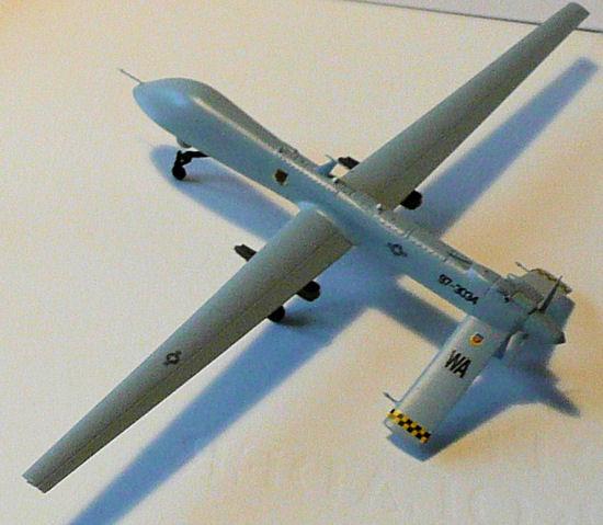 JEFFHEAD.COM - Italeri Kit# 1320 1/72 SCALE USAF MQ-9 ...