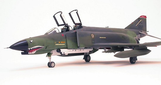 Mc Donnell Douglas F-4G Phantom II Revell 1//32 Ordinance Sprues.